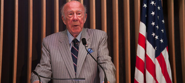 photo - George Shultz
