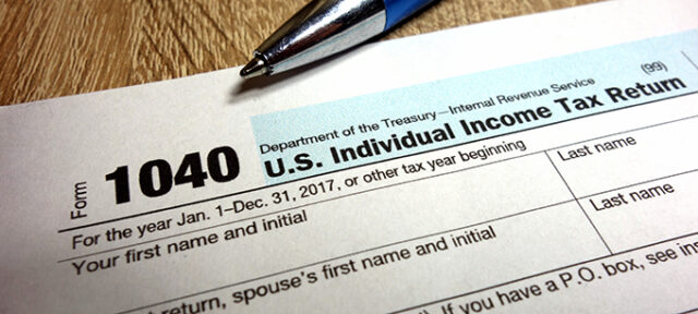US Tax Form 1040 And Pen