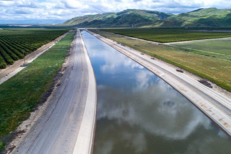 photo - California Aqueduct in Kern County, California Pixel CA DWR