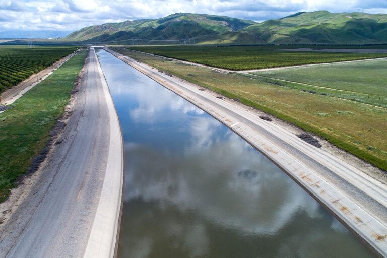 photo - California Aqueduct in Kern County, California - Pixel Ca DWR