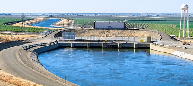 photo - California Aqueduct System, Pumping Plant, San Luis Canal