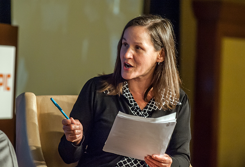 Leslie Berestein Rojas, KPCC public radio