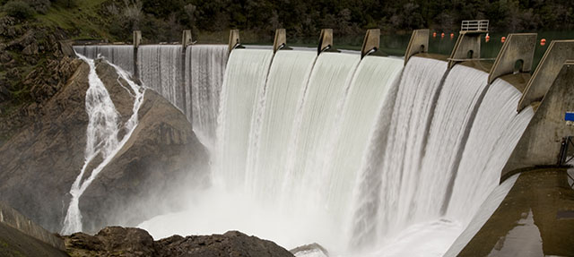 photo - Lake Clementine Dam During a Spring Flood