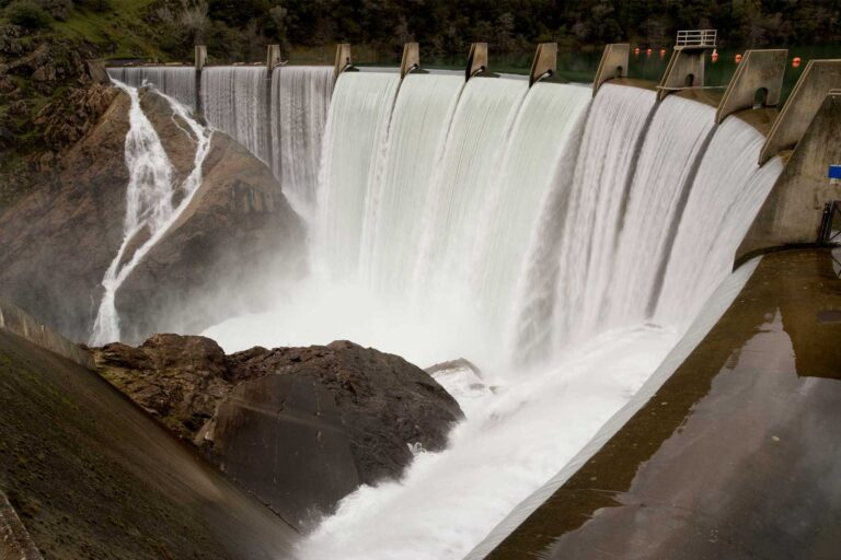photo - Lake Clementine Dam, on the North Fork American River, California