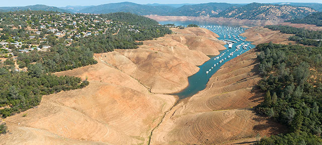 Photo of Lake Oroville in California during drought