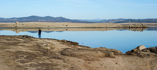 photo - Low Water Drought Conditions at Folsom Dam And Lake, Pixel CA DWR