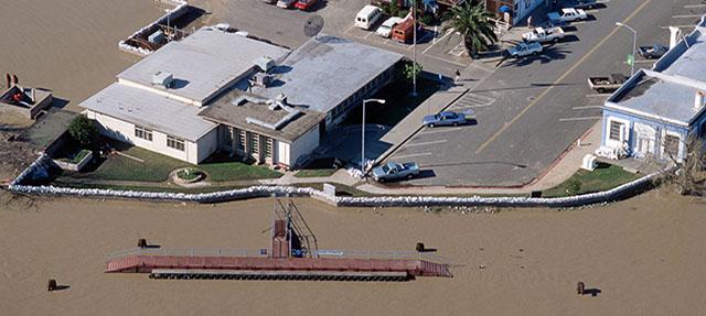 photo - Rio Vista California 1997 Flood from Pixel CA DWR