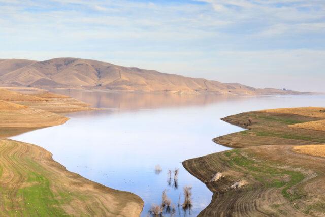 photo - San Luis Reservoir Views in Autumn, Merced County, California